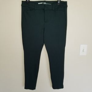 Old Navy Mid-Rise Built-In Sculpt Ponte-Knit Pixie